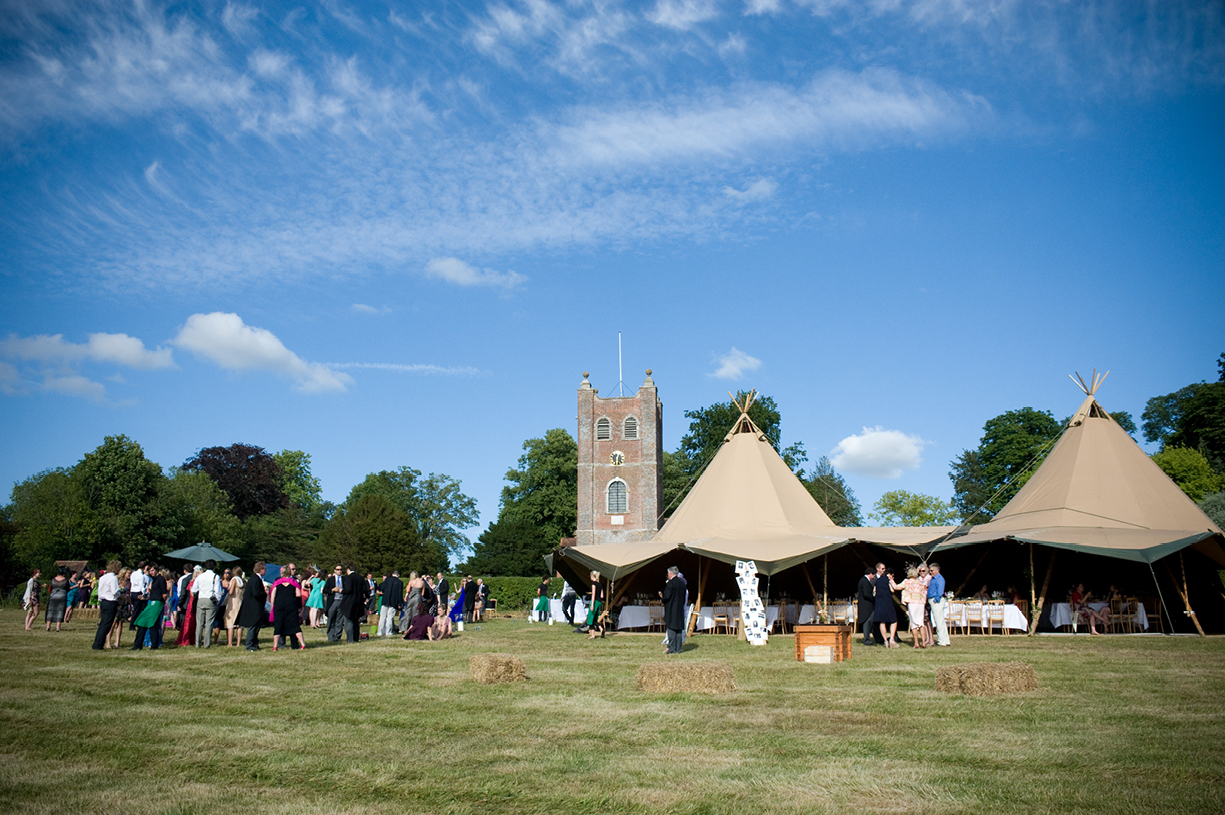 tip wedding with church summer wedding photography St Mary's Alresford Hampshire