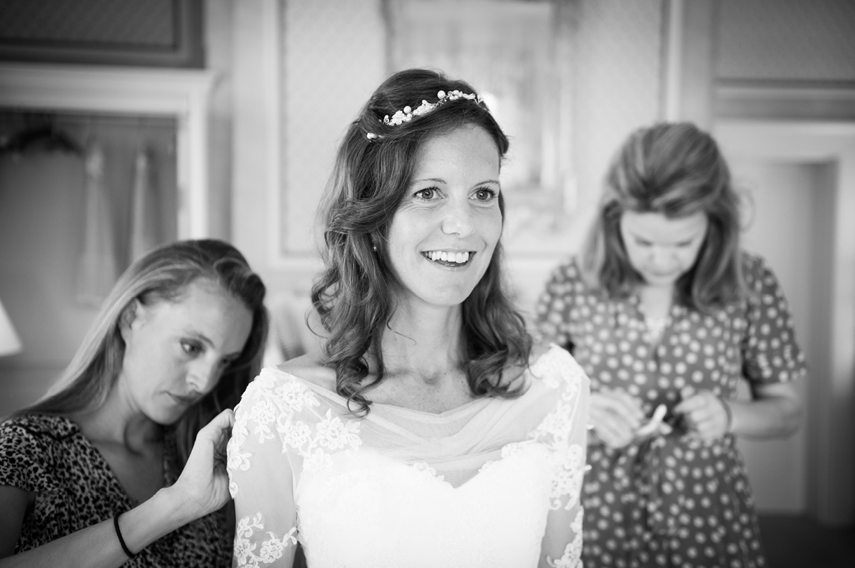summer wedding Ovington Hampshire Philippa Lepley wedding dress black & white wedding photography
