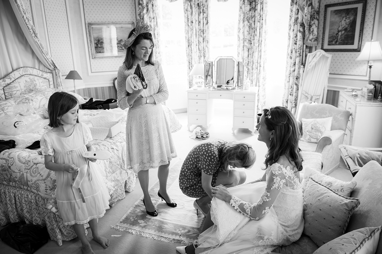 wedding party preparations black & white wedding photography Philippa Lepley Ovington Hampshire
